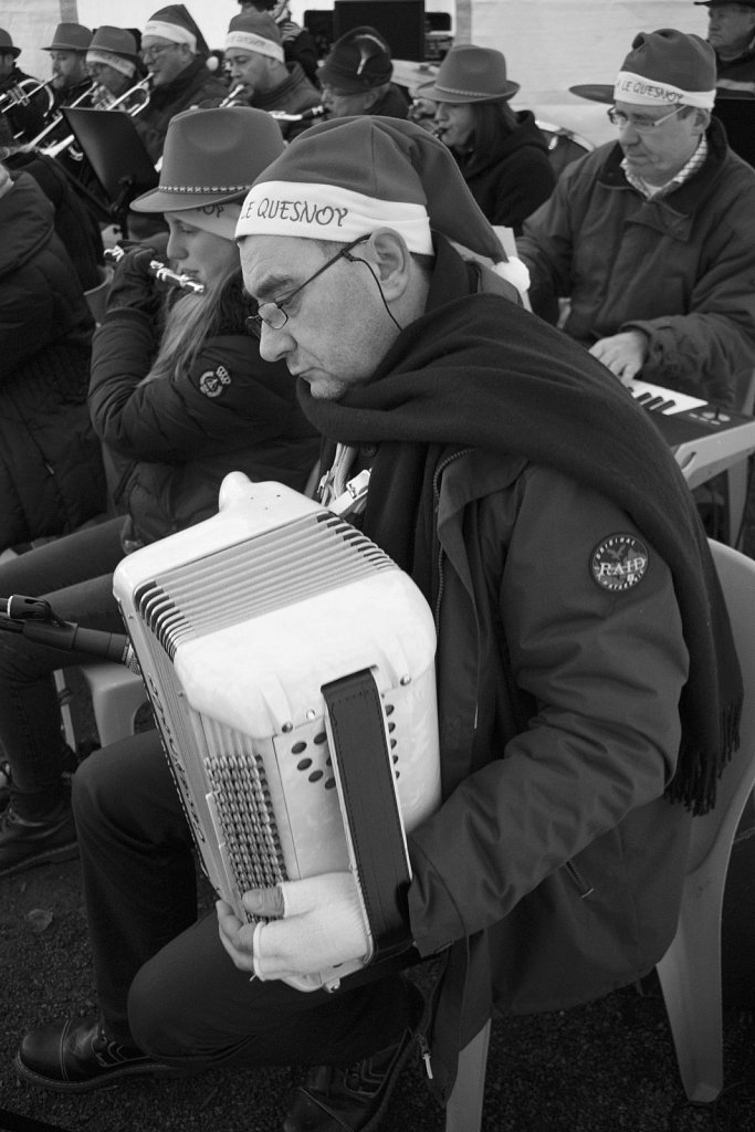 109-Marche-de-Noel-GLorthioir.jpg